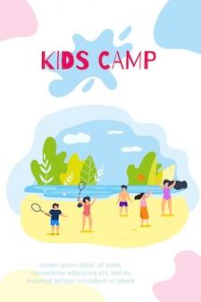 Banner vertical plana niños campamento de verano vacaciones.