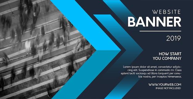 Banner web profesional con formas azules.