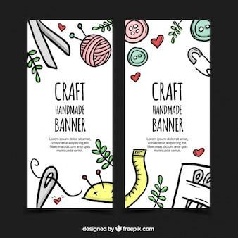Banners dibujados a mano sobre artesanía