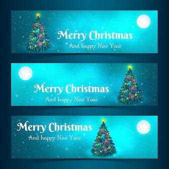 Banners horizontales de feliz navidad con árbol de navidad decorado a la luz de la luna ilustración vectorial aislada plana