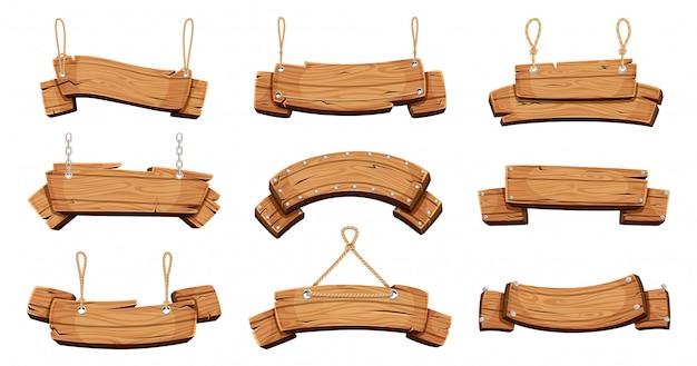 Banners de madera letreros en blanco con cadenas, cuerdas y pernos.