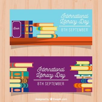 Banners de un montón de libros del día de la alfabetización