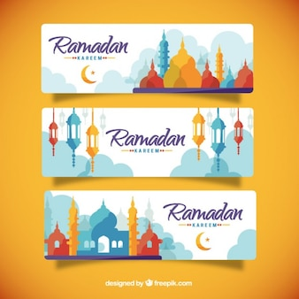 Banners de ramadan de siluetas de colores