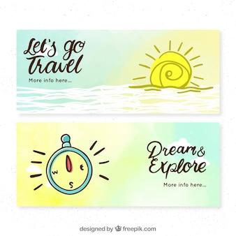Banners de viaje dibujados a mano con sol y brújula