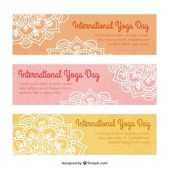 Banners de yoga de mandalas dibujados a mano