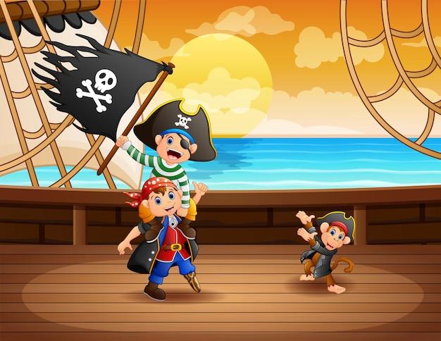 Barco pirata con capitán y mono en el mar con bandera negra.