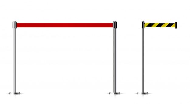 Barrera metálica con un cinturón para controlar.
