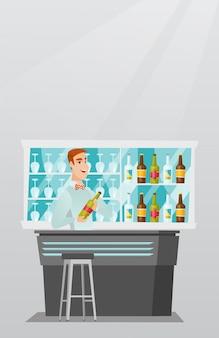 Bartender de pie en la barra del bar.