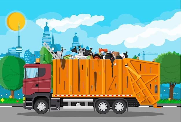 Basura de transporte de camiones. eliminación de residuos de automóviles.