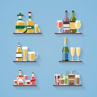 Bebidas alcohólicas o bebidas en bandeja en el bar en estilo plano