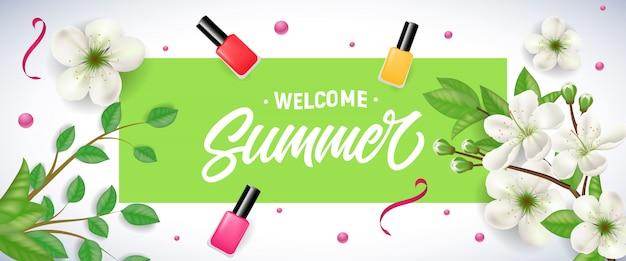Bienvenida de verano en marco verde con flor de manzana, lacas y confeti