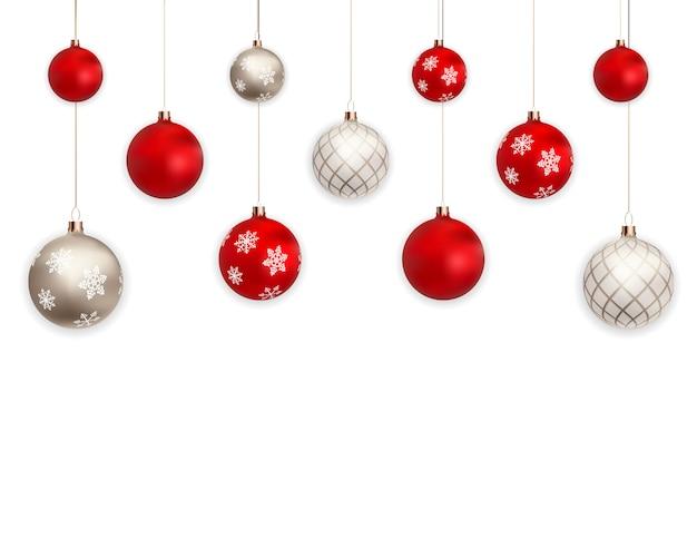 Bolas de navidad 3d para vacaciones año nuevo diseño sobre fondo blanco.