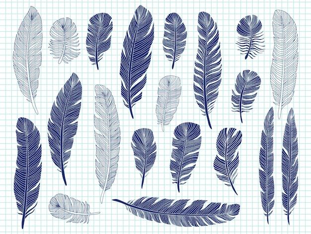 Bolígrafo que dibuja grandes plumas de aves en un cuaderno.