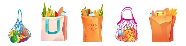 Bolsas de red de algodón y papel con comestibles.
