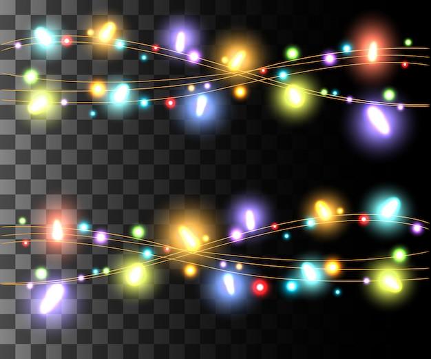 Bombillas de colores de luz que brillan intensamente horizontales para guirnaldas navideñas, efecto de decoraciones navideñas en el juego de página web de fondo transparente y diseño de aplicaciones móviles