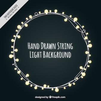 Bonita cadena de luces sobre un fondo negro