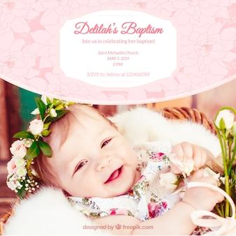 Bonita invitación vintage de bautismo con flores