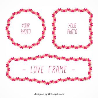 Bonitos marcos con pequeños corazones