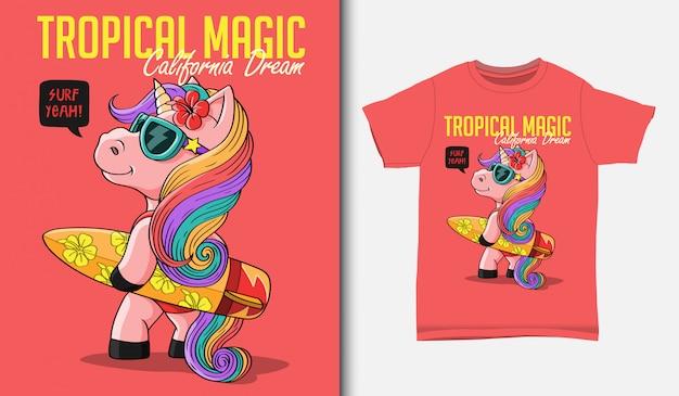 Bonitos unicornios con ilustración de tablas de surf, con diseño de camiseta, dibujado a mano
