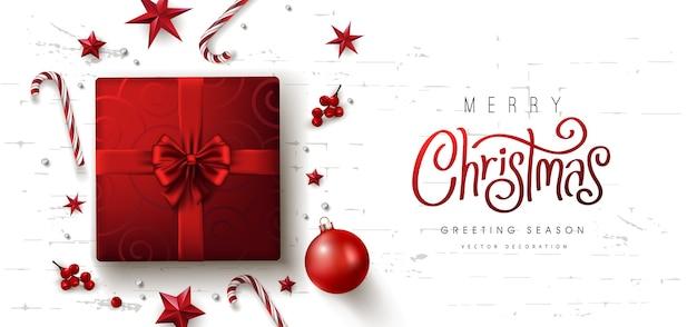 Borde decorativo rojo de navidad hecho de fondo de elementos festivos
