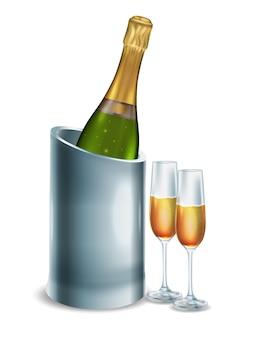 Botella abierta de champán blanco