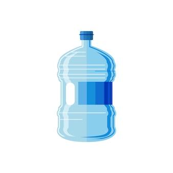 Botella de agua plástica aislada en el fondo blanco.