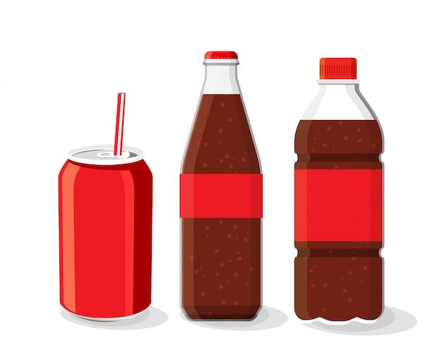 Botella de refresco y vidrio, bebida fría de coque con hielo en un vaso