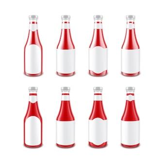 Botella de salsa de tomate rojo brillante de vidrio en blanco para la marca