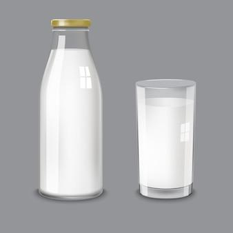 Botella de vidrio transparente y un vaso de leche.