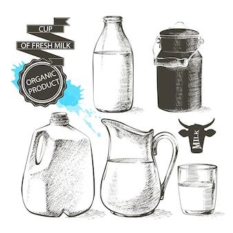 Botellas y tarros de galón con productos lácteos frescos pueden envase para leche aislada sobre fondo blanco