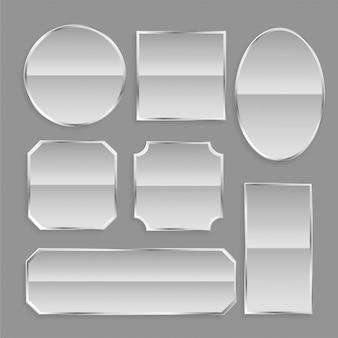 Botones de marco de metal blanco brillante con reflejo.