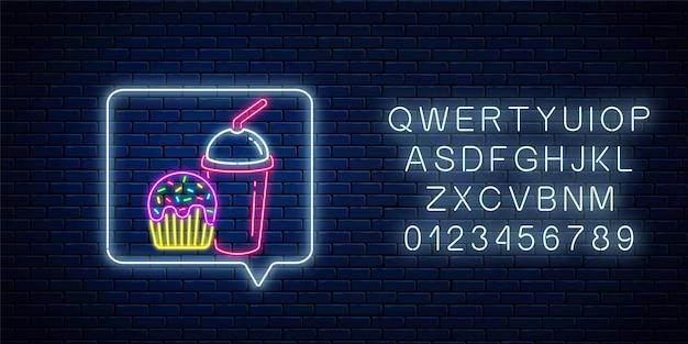 Brillante letrero de neón de pastel glaseado y taza de batidos en el marco de notificación de mensajes con el alfabeto.