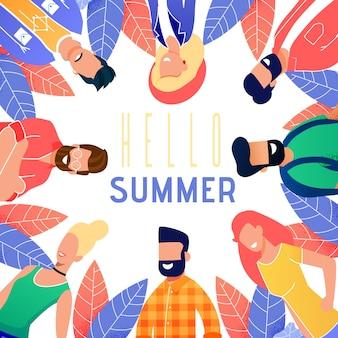 Brillante tarjeta está escrita hola verano dibujos animados