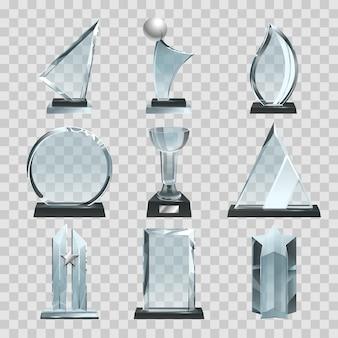 Brillantes trofeos transparentes, premios y copas ganadoras.