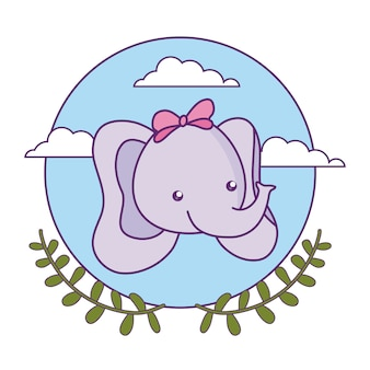 Cabeza de lindo bebé elefante con corona de hojas