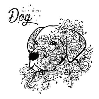 Cabeza de perro estilo tribal dibujado a mano.