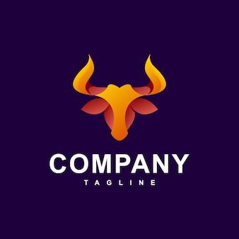 Cabeza de toro mascota moderna logo