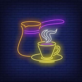 Cafetera y taza en estilo neón