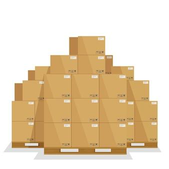 Cajas de entrega en un palet de madera.