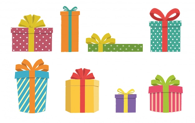 Cajas de regalo coloridas y variadas sobre un fondo blanco