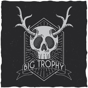 Calavera con diseño de etiqueta de camiseta de cuernos de ciervo. ilustración de tema hipster.