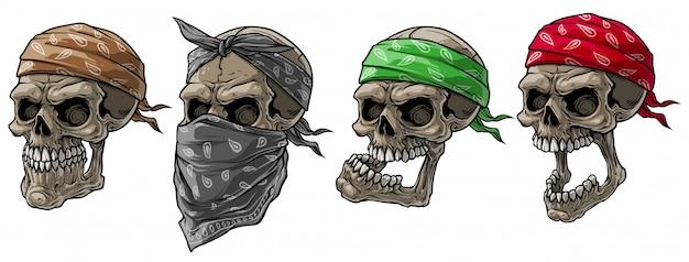 Calaveras de motociclista de dibujos animados con pañuelo y bufanda