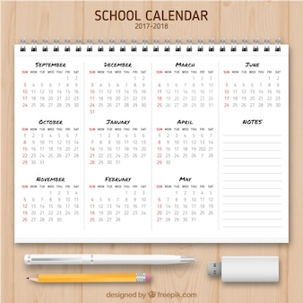 Calendario escolar en una libreta