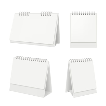 Calendario de escritorio organizador con calendario diario de páginas en blanco sobre maqueta realista de mesa