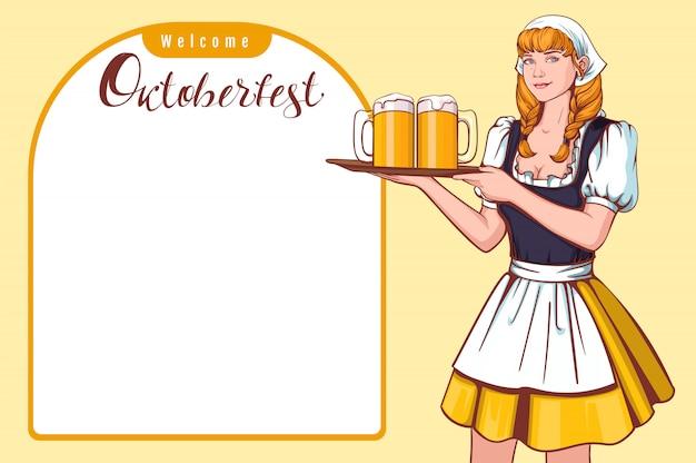 Camarero hermoso de la mujer joven que sostiene la bandeja con la cerveza. bienvenido oktoberfest festival de cerveza alemana