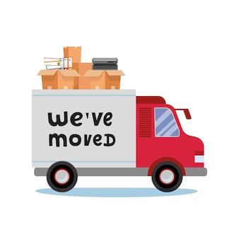 Camiones de mudanzas y cajas de cartón. mover material de oficina. compañía de transporte. vista lateral de la esquina con cita de letras nos hemos mudado.