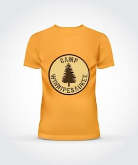 Camiseta amarilla con diseño de campamento