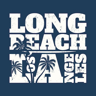 Camiseta estampada de long beach con tabla de surf y palmeras.
