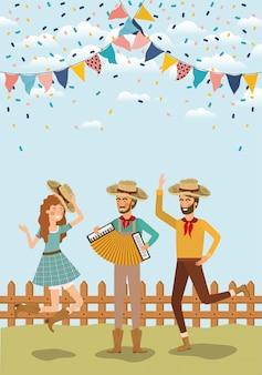 Campesinos celebrando con guirnaldas y cerca.