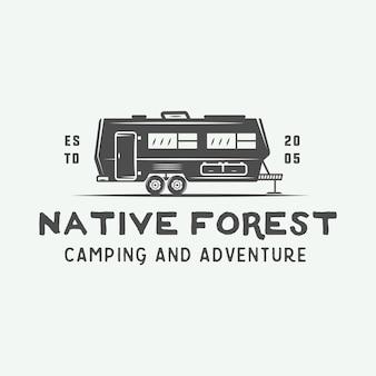 Camping al aire libre y logo de aventura.
